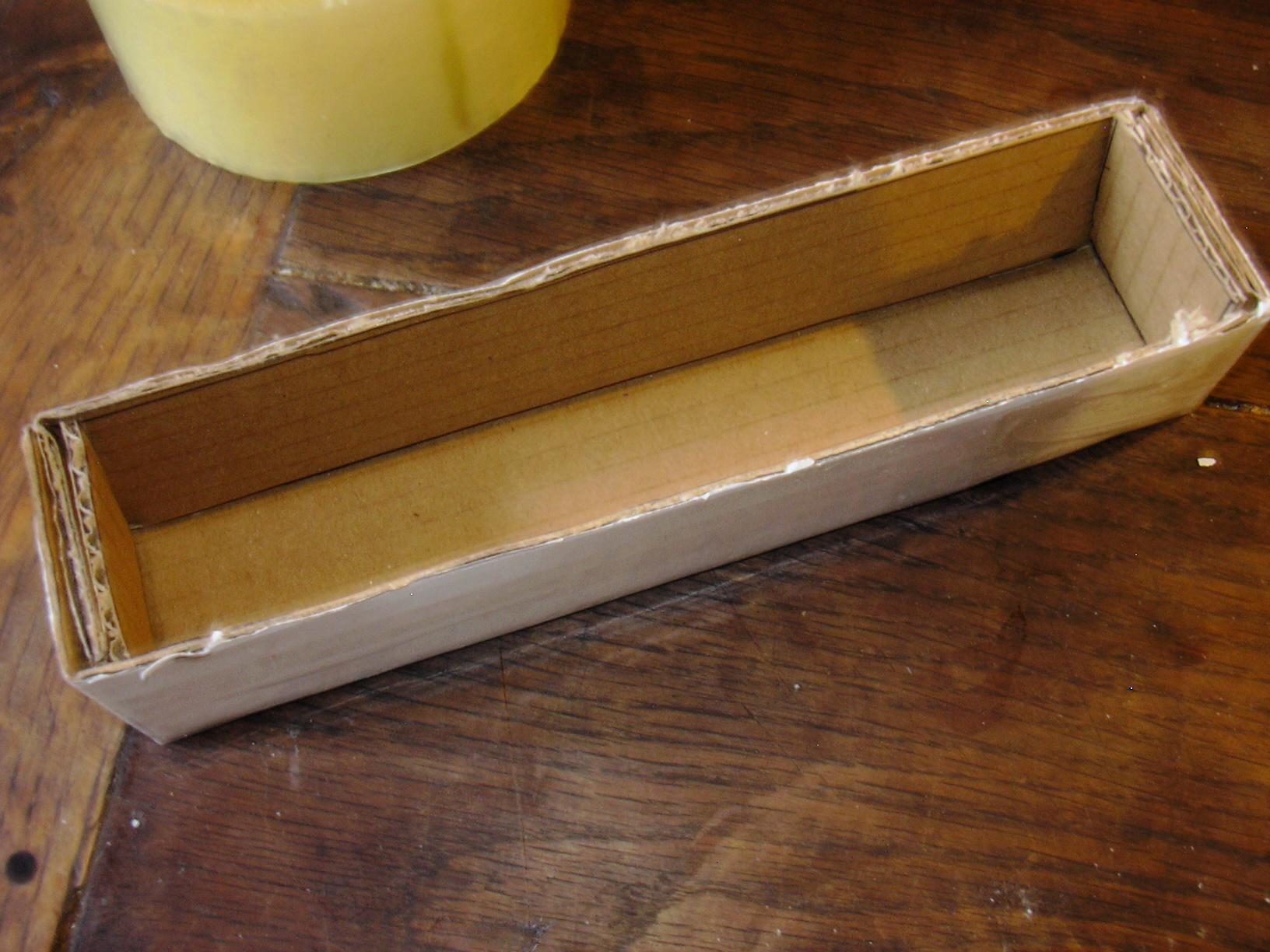 flacons petits pots tuto fabriquer un moule savon rapidos. Black Bedroom Furniture Sets. Home Design Ideas